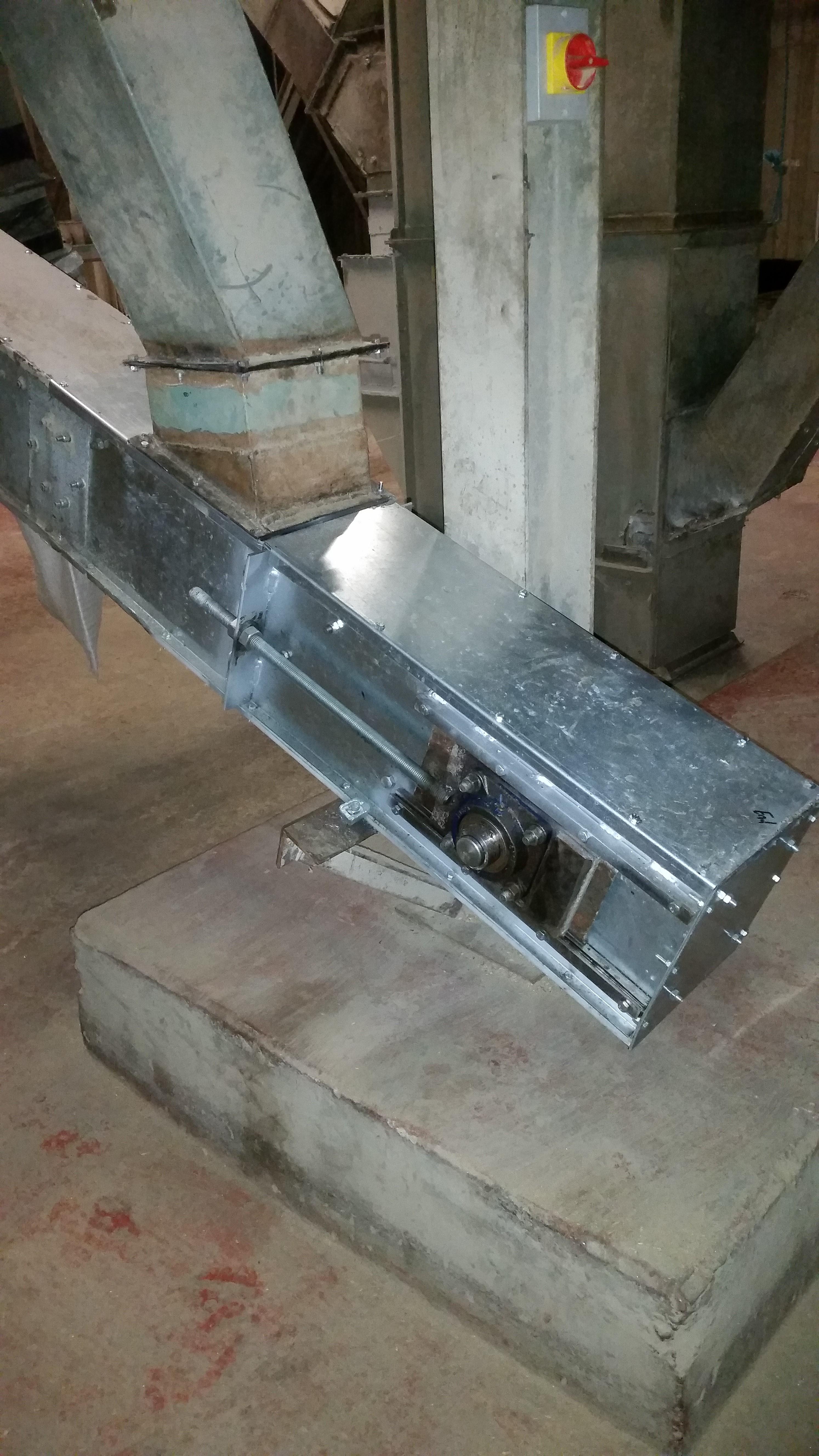 conveyor tail end